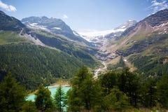 Vista stupefacente dalla stazione ferroviaria di Alp Grum nel cantone di Grau Fotografie Stock
