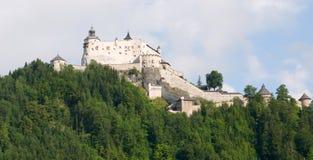 Vista stupefacente del castello alpino Hohenwerfen vicino a Salisburgo, Austria Fotografia Stock Libera da Diritti