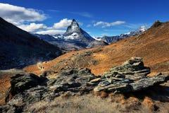 Vista stupefacente della catena montuosa di panorama vicino al Cervino Immagine Stock Libera da Diritti