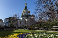 Vista stupefacente della chiesa russa delle cupole dorate a Sofia, Bulgaria Fotografia Stock