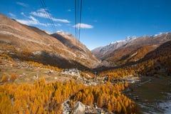 Vista stupefacente di autunno della località di soggiorno di Zermatt, cantone del Valais Fotografia Stock Libera da Diritti