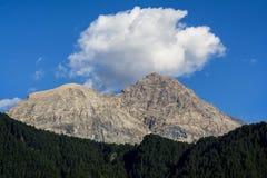 Vista stupefacente nelle montagne delle alpi, Sestriere, Italia Fotografie Stock Libere da Diritti