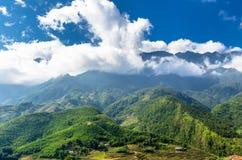 Vista stupefacente sulla montagna nel Vietnam fotografia stock