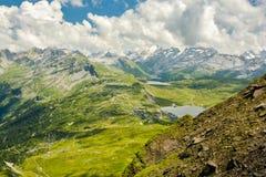 Vista stupefacente sulle alpi svizzere Immagine Stock