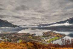 Vista su Ballachulish e sul Loch Leven, Scozia Fotografia Stock