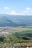 Vista su Elbrus. Fotografia Stock