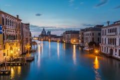Vista su Grand Canal e su Santa Maria della Salute Church Immagine Stock Libera da Diritti