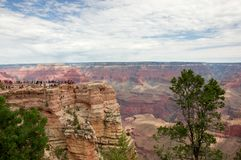 Vista su paesaggio di Grand Canyon della roccia di Mather Point fotografie stock