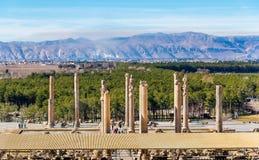 Vista su Persepolis dalla tomba di Artaxerxes III immagine stock