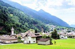 Vista su Poschiavo in Graubunden, Svizzera Fotografie Stock Libere da Diritti