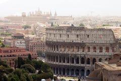 Vista su Roma con Colosseum Fotografia Stock Libera da Diritti