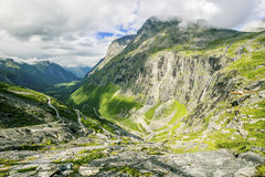 Vista su Trollstigen famoso Immagini Stock Libere da Diritti
