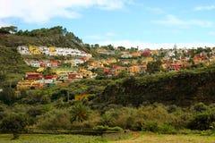 Vista su un villaggio nella parte centrale dell'Isole Canarie Gran Canaria, Spagna - 13 02 2017 Fotografie Stock