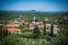 Vista su una piccola città greca su Zacinto Fotografia Stock Libera da Diritti