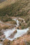 Vista su una valle e su un fiume in Norvegia immagine stock