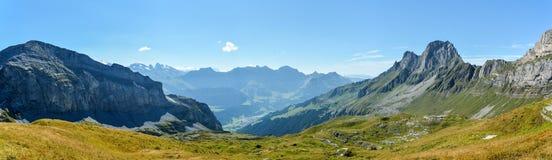 Vista su Uri Alps intorno ad Engelberg Immagine Stock Libera da Diritti