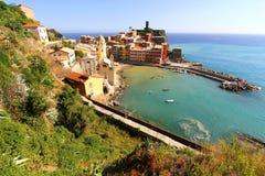 Vista su Vernazza in Cinque Terre Fotografie Stock Libere da Diritti