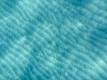 Vista subacquea di bella spiaggia di Skala dell'isola di Kefalonia, mare ionico, Grecia fotografia stock libera da diritti