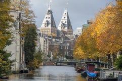 Vista sul canale di Lijnsbaangracht ad Autumn Amsterdam The Netherlands 2018 fotografia stock libera da diritti