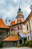 Vista sul castello in Cesky Krumlov fotografia stock libera da diritti