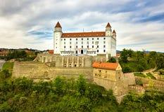 Vista sul castello di Bratislava e sulla vecchia città Immagine Stock Libera da Diritti