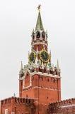 Vista sul castello di Cremlino a Mosca immagini stock
