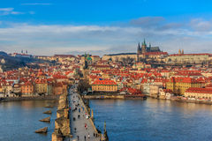 Vista sul castello di Praga da Charles Bridge immagine stock