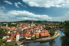 Vista sul centro storico di Cesky Krumlov europa immagine stock libera da diritti