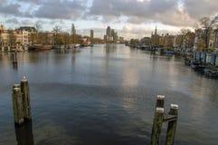 Vista sul fiume di Amstel durante l'Autumn At Amsterdam The Netherlands 2018 immagine stock libera da diritti