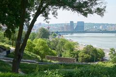 Vista sul fiume Sava e su Belgrado fotografia stock