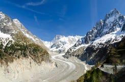 Vista sul ghiacciaio in alpi francesi a Chamonix-Mont-Blanc, Francia Immagini Stock