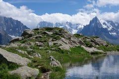 Vista sul lago della montagna Fotografia Stock