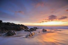 Vista sul mare al tramonto Immagini Stock