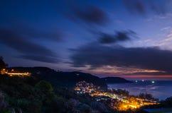 Vista sul mare alla notte fotografia stock libera da diritti