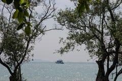Vista sul mare alla spiaggia di Rallay fotografia stock