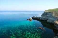 Vista sul mare con acque cristalline Fotografia Stock Libera da Diritti