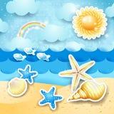 Vista sul mare con il sole e le conchiglie Immagine Stock Libera da Diritti