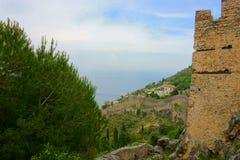 Vista sul mare con la città di Alanya nella priorità alta Immagine Stock