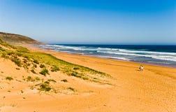 Vista sul mare con le dune di sabbia Fotografie Stock Libere da Diritti