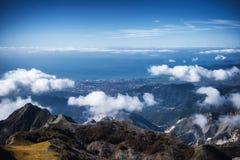 Vista sul mare dalle montagne Fotografia Stock