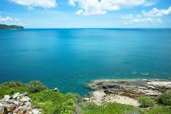 Vista sul mare del turchese nell'isola di Dao di raggiro Immagini Stock
