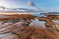 Vista sul mare dello scaffale della roccia fotografia stock libera da diritti