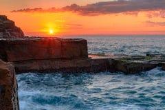 Vista sul mare dello scaffale della roccia immagini stock