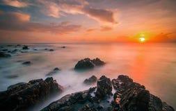 Vista sul mare di alba Immagine Stock