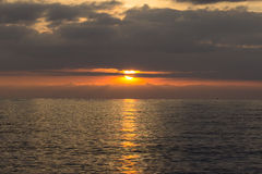 Vista sul mare di estate al tramonto Immagine Stock Libera da Diritti
