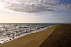 Vista sul mare e cielo nuvoloso Fotografie Stock