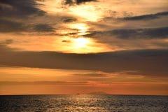 Vista sul mare e tramonto Fotografia Stock Libera da Diritti