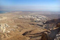 Vista sul mare guasto dalla fortezza di Masada immagini stock