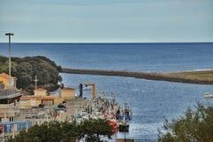 Vista sul mare nella città di San Vicente de la Barquera Fotografia Stock