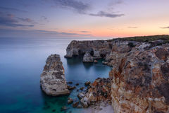 Vista sul mare stupefacente della spiaggia di Algarve Fotografie Stock Libere da Diritti